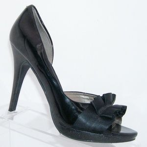 Carlos Santana Pretty black ruffled satin heels 7M